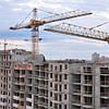 Більшість будівництв в Україні призупинено до кращих часів