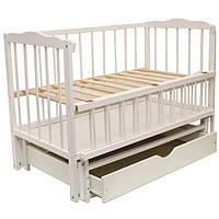 Детская кроватка Малыш (белый), с откидной боковинкой на маятнике с  ящиком