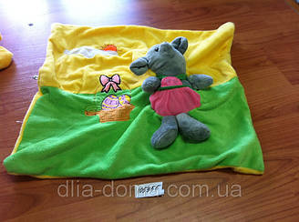 Наволочка декоративная велюровая с игрушкой
