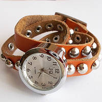 Жіночі наручні годинники. Шкіряний ремінець намотування з заклепками., фото 1