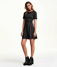 Новое платье с воротником H&M