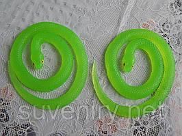 Змея силиконовая длинная фосфорная светящая длина 70см
