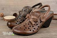 Кожаные туфли босоножки на каблуке цвет серо коричневый новинка 2017