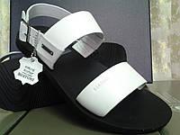 Стильные мужские сандалии Bertoni