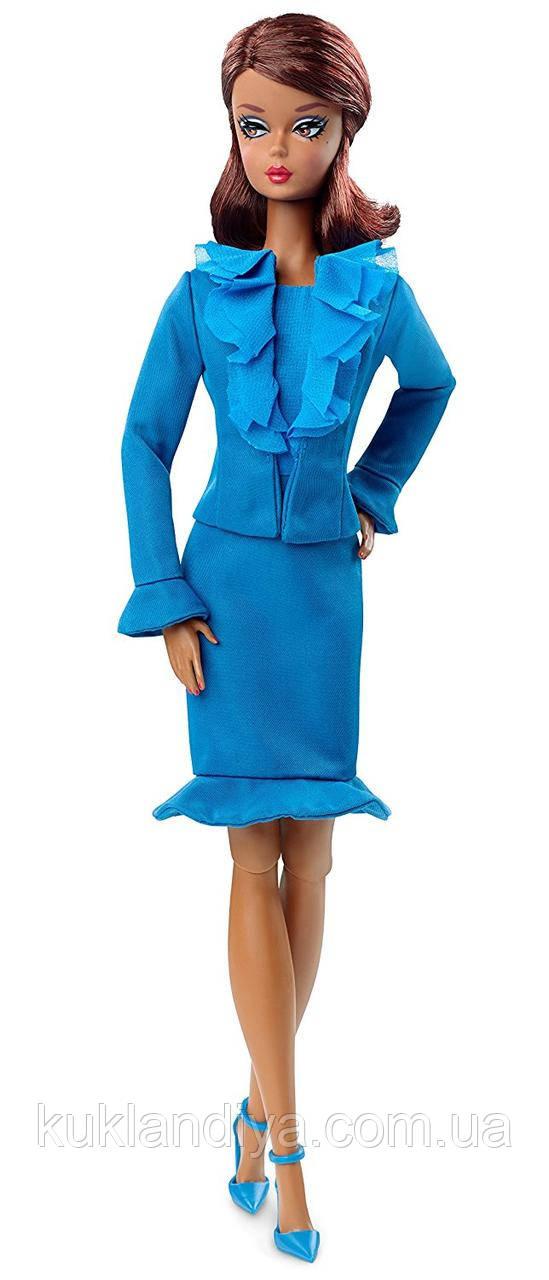 Коллекционная кукла Barbie силкстоун в голубом костюме