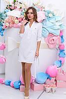 Белое платье свободного кроя с мелкий горошек