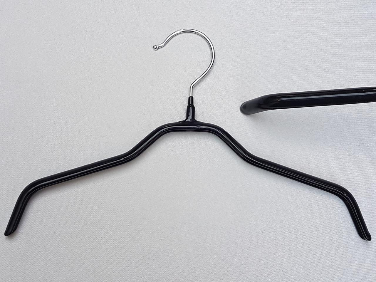 Плечики  вешалки  тремпеля детские металлические в силиконовом покрытии черного цвета, длина 30 см