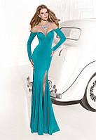 Длинное облегающие вечерние платье открытые плечи