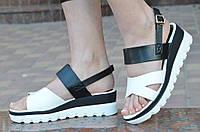 Босоножки, сандали на платформе летние женские белые с черным изысканые 2017. Со скидкой