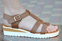 Босоножки, сандали на платформе женские коричневые легкие, на пряжке. Со скидкой