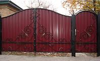 Ворота с ковкой из профнастилом