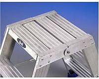 Лестницы и стремянки SVELT Двусторонняя стремянка-табурет SVELT PUNTO PLUS 4 ступени