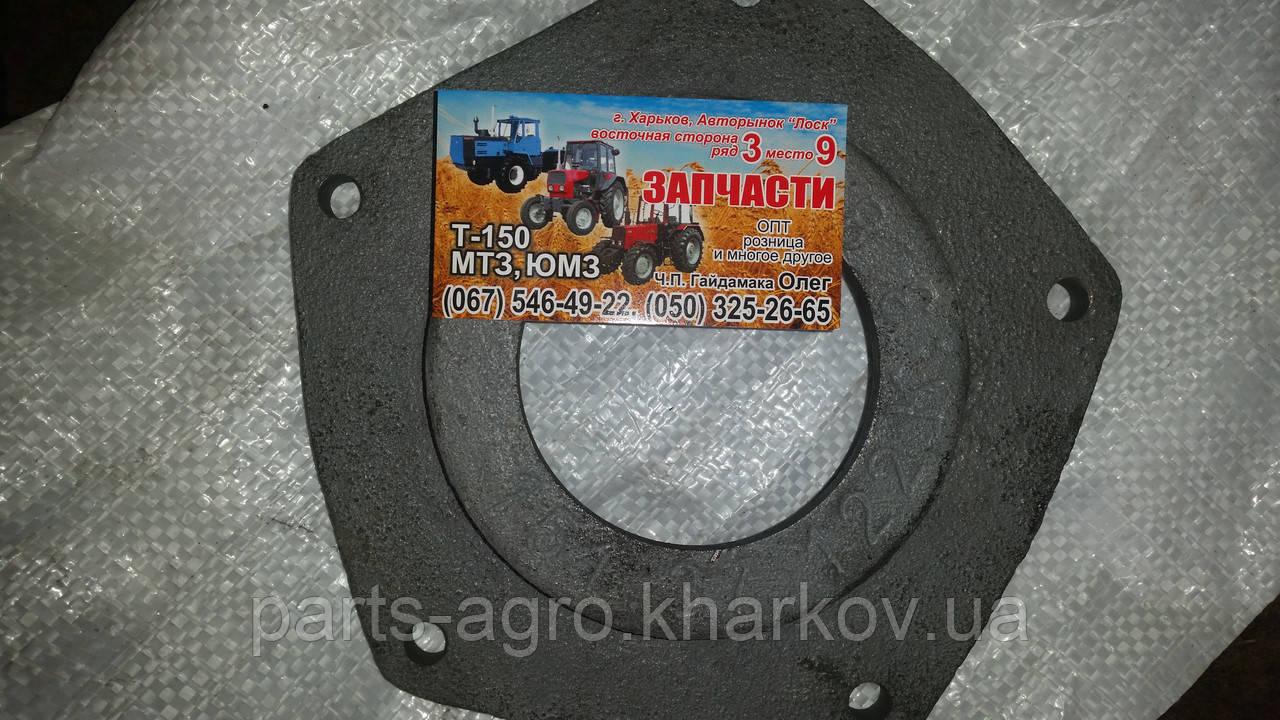 Крышка сальника КПП Т-150К (151.37.122)