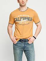 Мужская футболка LC Waikiki желтого цвета с надписью на груди