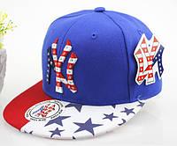 Детская кепка со знаком New York.