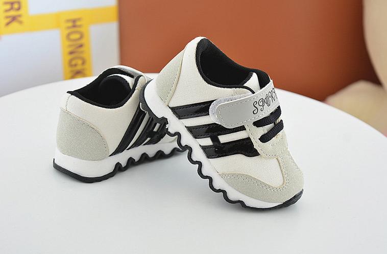 Стильні кросівки для маленьких хлопчиків  продажа 7749863e083b9