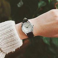 Часы классические, часы на каждый день