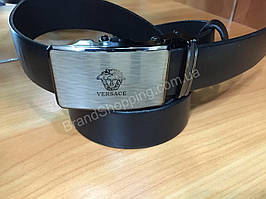 Ремень кожаный Versace с автоматической пряжкой черный 0910