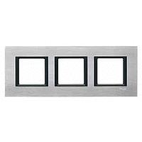 MGU68.006.7A1. Рамка 3-постовая, Серебристный алюминий. Unica Class