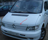 Mercedes Vito 638 Ресничка на решетку Черный глянец ABS