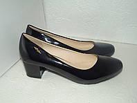 Новые лаковые туфли. р. 40 (25,5см)