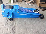Домкрат подкатной гаражный TROMMELBERG XRD на 3 т. (135-490 мм)