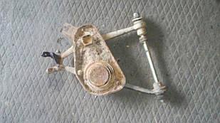 Б/у рычаг для ВАЗ 21214 Тайга