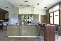 Современная мебель для кухни-студии