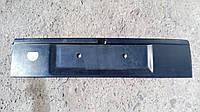 Накладка крышки багажника Opel Vectra A.