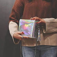 Маленькая сумка. Цвета металика. На цепочке