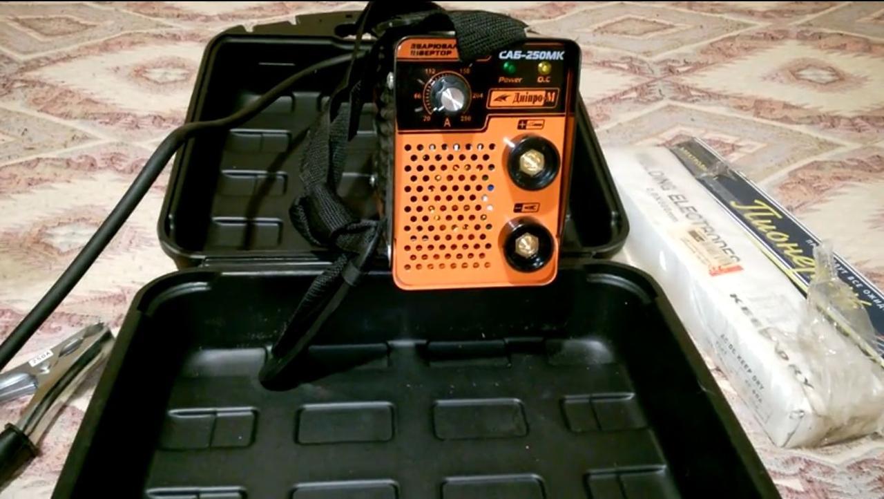 Сварочный инвертор Днипро-М ММА (IGBT) САБ-250МК