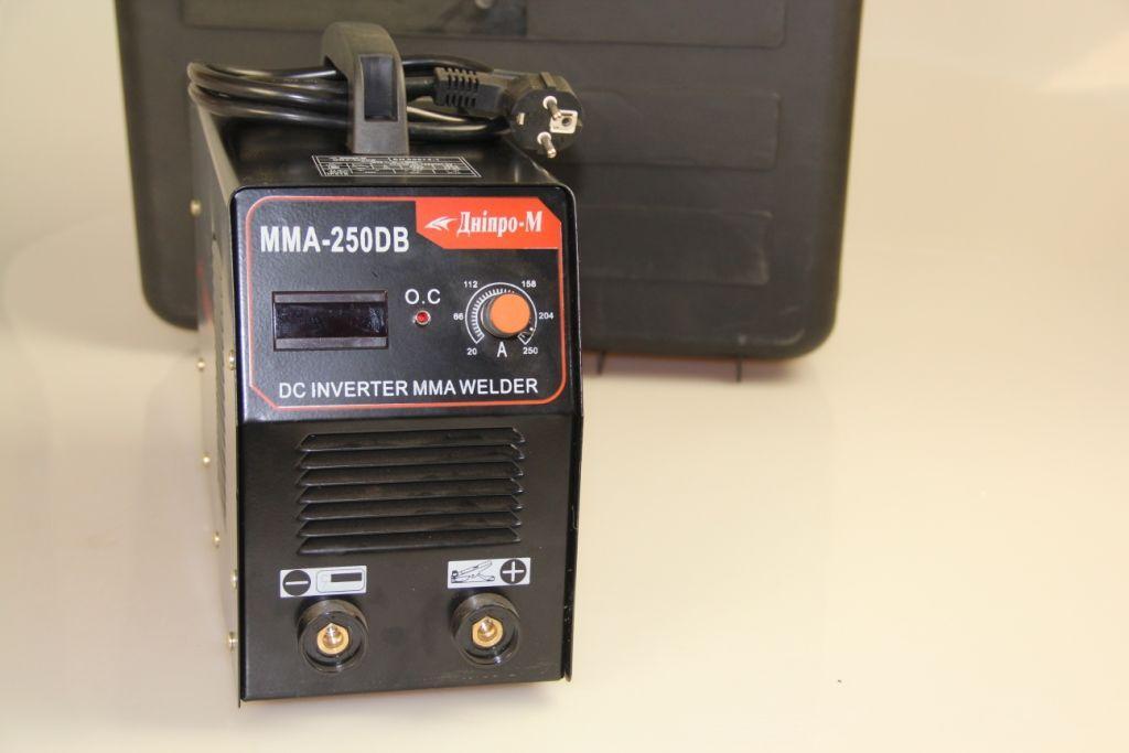 Сварочный инвертор Днипро-М ММА (MOS), 250 DВ (дисплей, кейс)