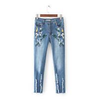 Модные джинсы с вышивкой, фото 1