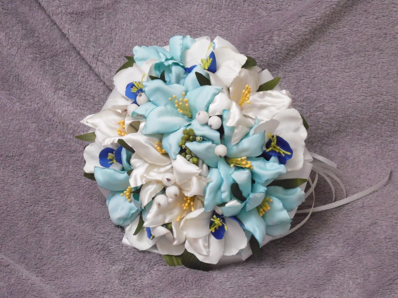 Свадебный букет-дублер из тропических цветов бежевый с мятным и синим