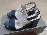Стильные босоножки на каблуке из нат. кожи МИДА 23707 сине-бежевые