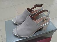 Модные женские босоножки на каблуке из нат. кожи МИДА  23718 бежевые