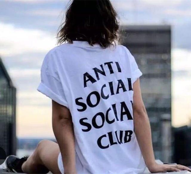 Футболка с принтом Anti Social social club   женская