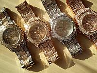 Женские часы с камнями сваровски золото