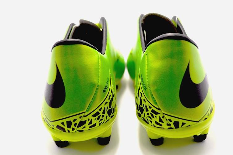 Футбольные бутсы Nike Hypervenom Phelon II FG