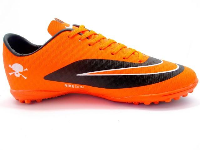 Футбольные сороконожки Nike HyperVenom Phelon TF