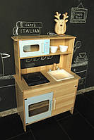 Красивая, большая, деревянная кухня для детей