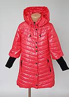 Весенняя куртка для девочек с вязаными манжетами