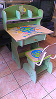 Детский письменный стол со стулом в хорошем состоянии