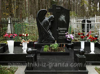 Скульптура ангела из гранита № 12