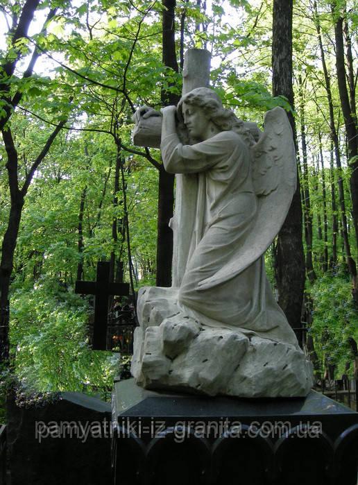 Скульптура ангела из гранита № 23