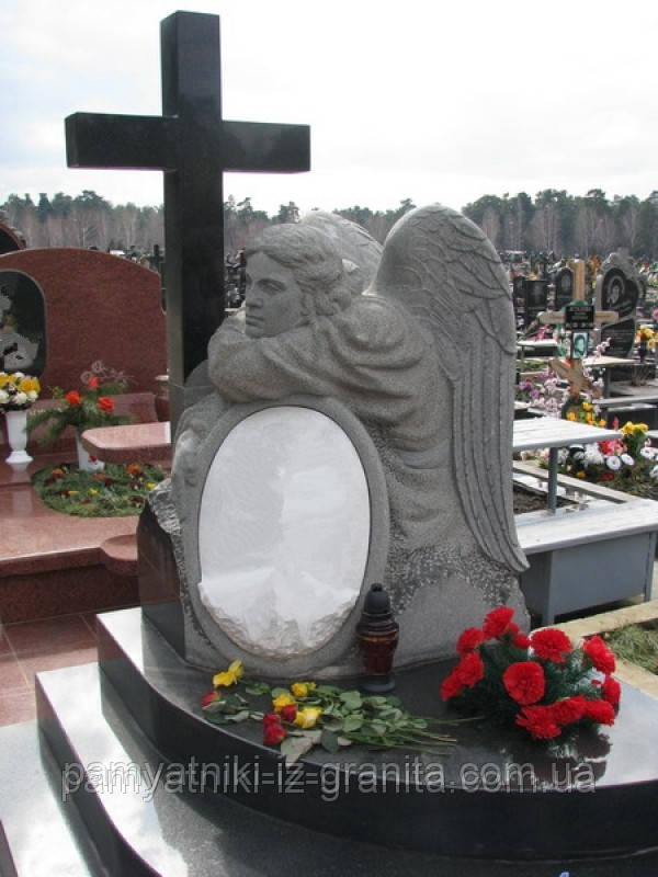 Скульптура ангела из гранита № 27