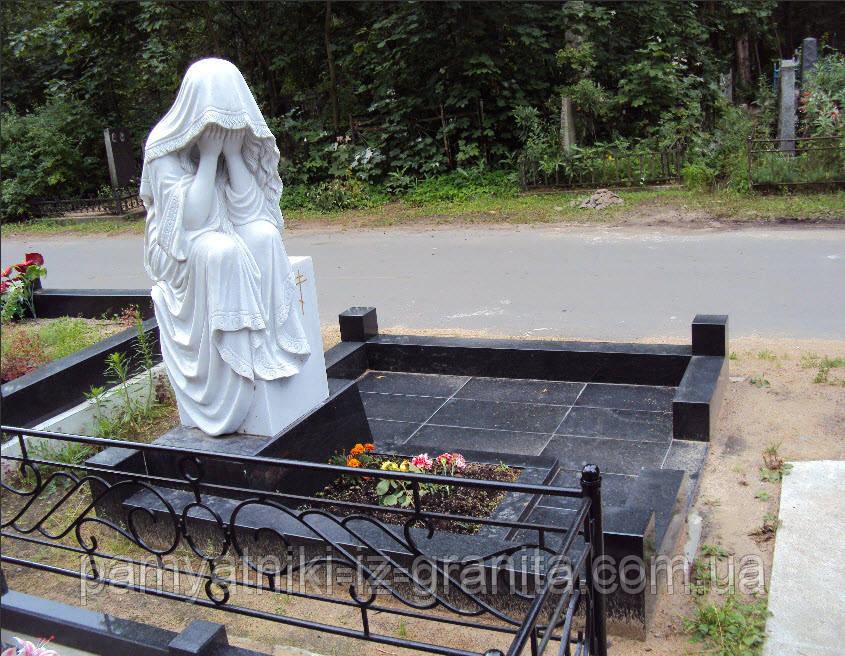Скульптура плакальщица из мрамора № 49