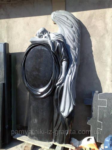 Скульптура ангела из гранита № 69