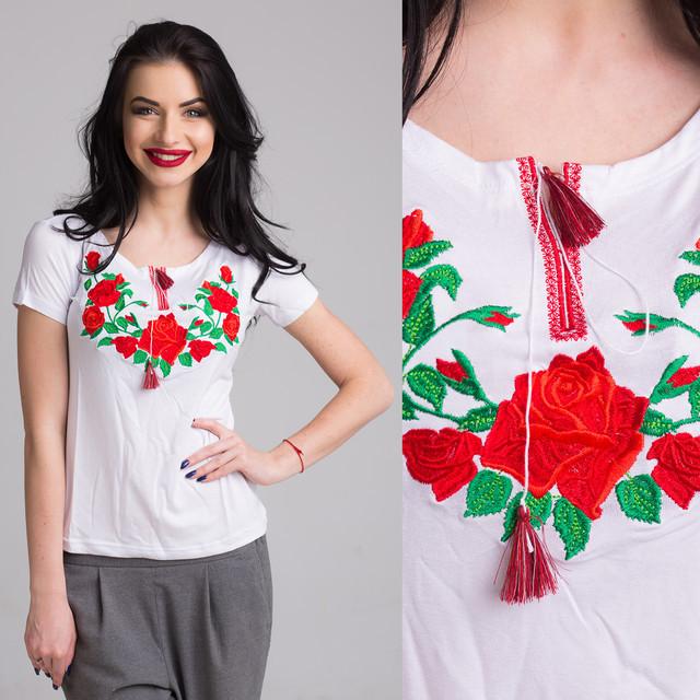 Вышитая женская футболка Роза белого цвета