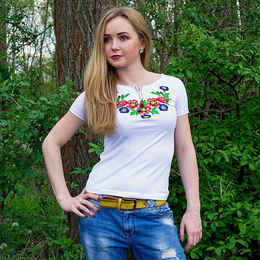 Вышитая женская футболка Мальвы белая